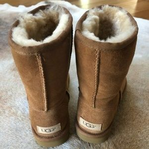 UGG Shoes - NWOT UGG classic short II boots women's 6 chestnut